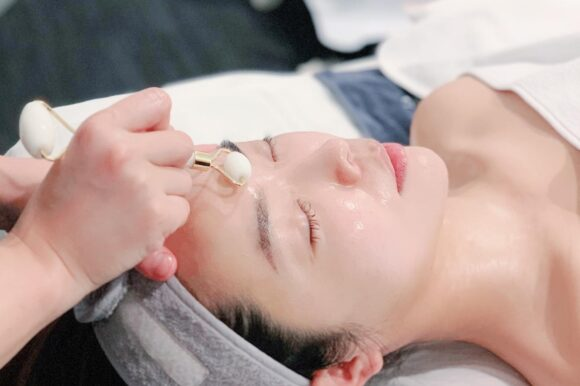 Traditional facial GUA SHA